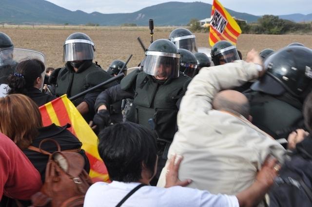 Artieda_carga policial_expropiaciones_10-10-2015 (5)